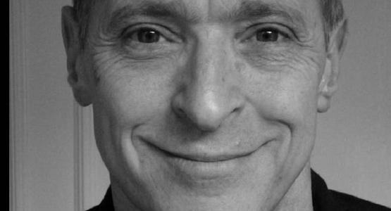 25 september: David Sedaris in Carré, 23 september signeren bij H. de Vries Boeken