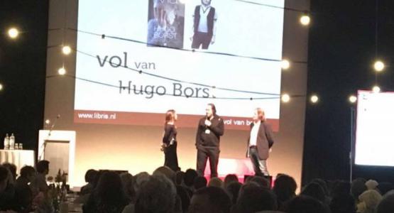 Hugo Borst ontvangt 100.000ste exemplaar MA