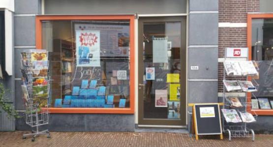 Hugo Borst opent Schiedams Boekhuis