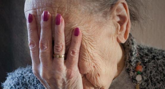 'Mensen met Alzheimer willen gewoon worden geknuffeld'