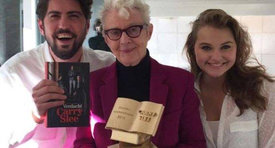 Carry Slee wint als eerste De Gouden Boekenstapel!