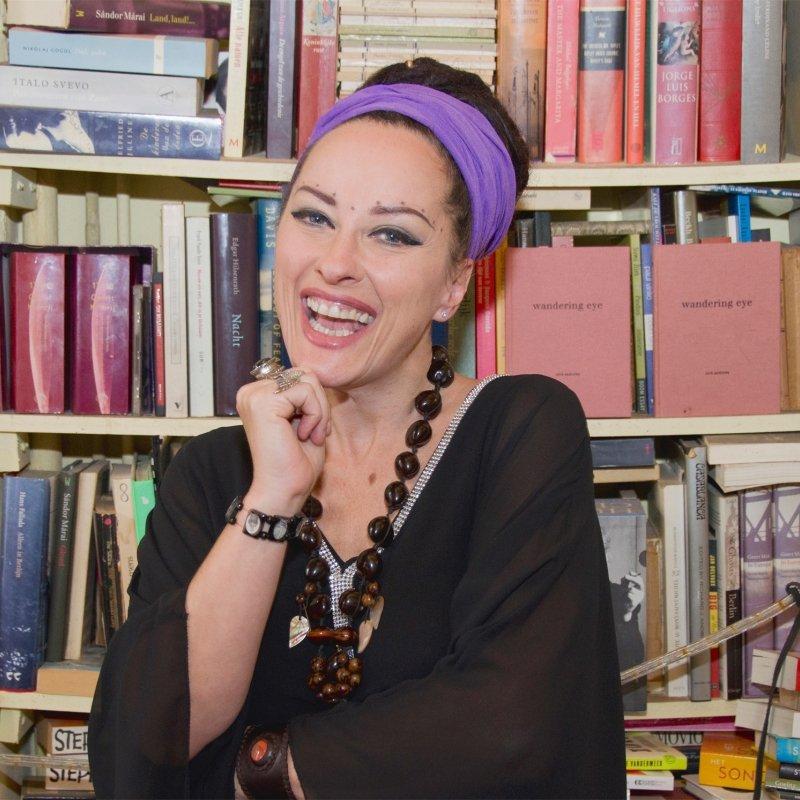 Auteur: Cornelia van Lierop