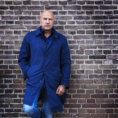 Auteur: John van den Heuvel