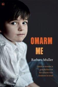 Paperback: Omarm Me - Barbara Muller